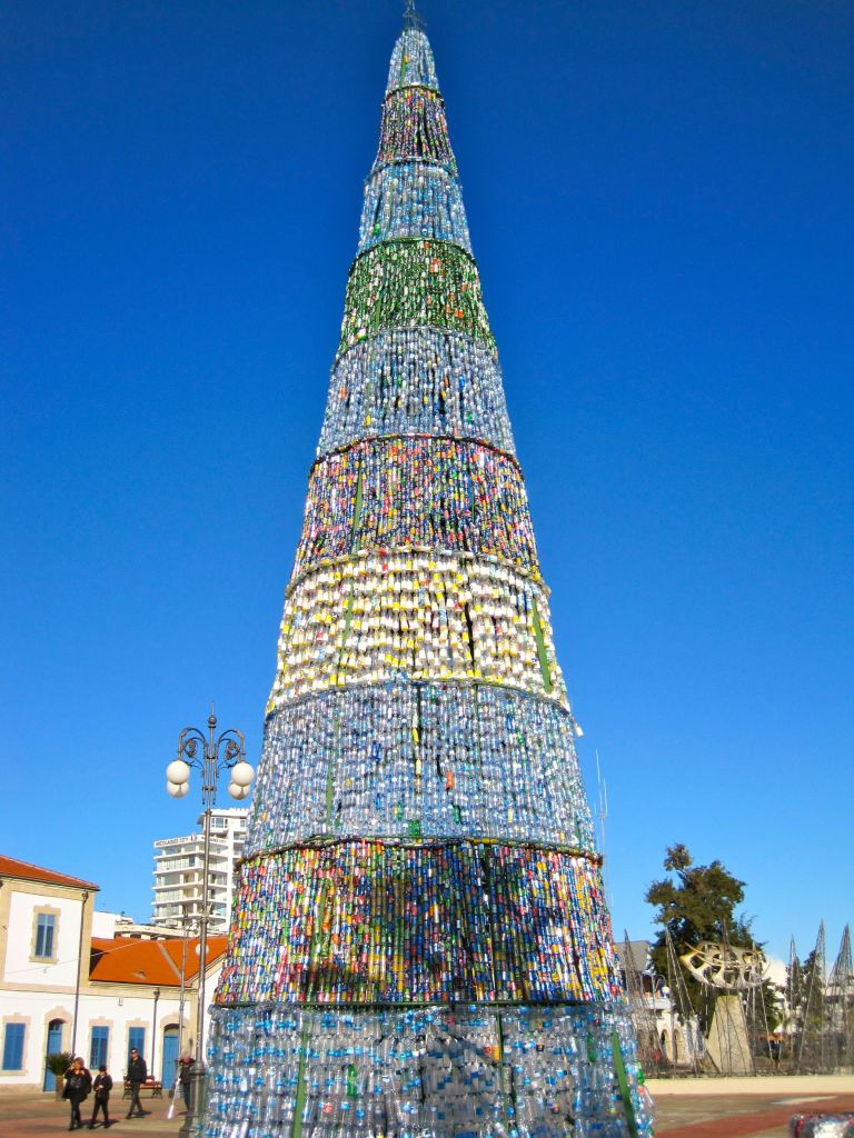 Christmas-tree-larnaca2012